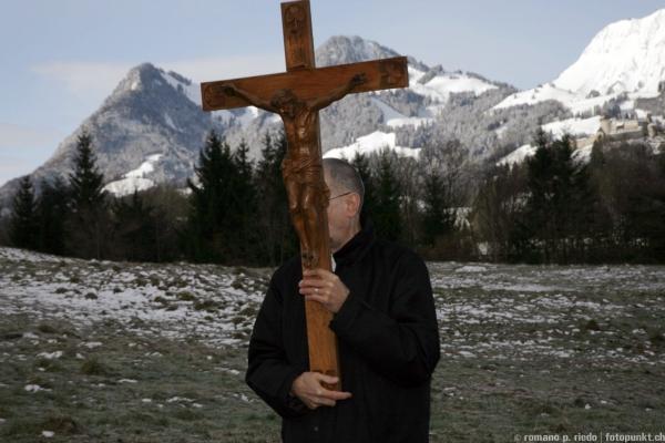 http://www.romanoriedo.ch/files/gimgs/19_chemin-la-croix-broc-7091.jpg