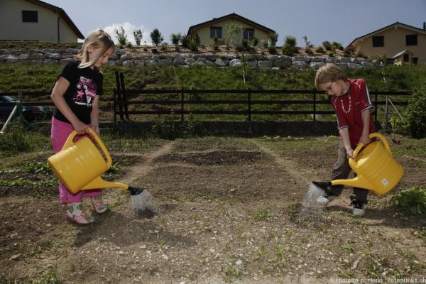 http://www.romanoriedo.ch/files/gimgs/19_jardinage-5428.jpg