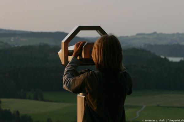 http://www.romanoriedo.ch/files/gimgs/19_teleskop-boy-f.jpg