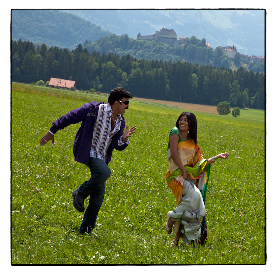 http://www.romanoriedo.ch/files/gimgs/1_square-bolly-dance-gruyeres-m.png