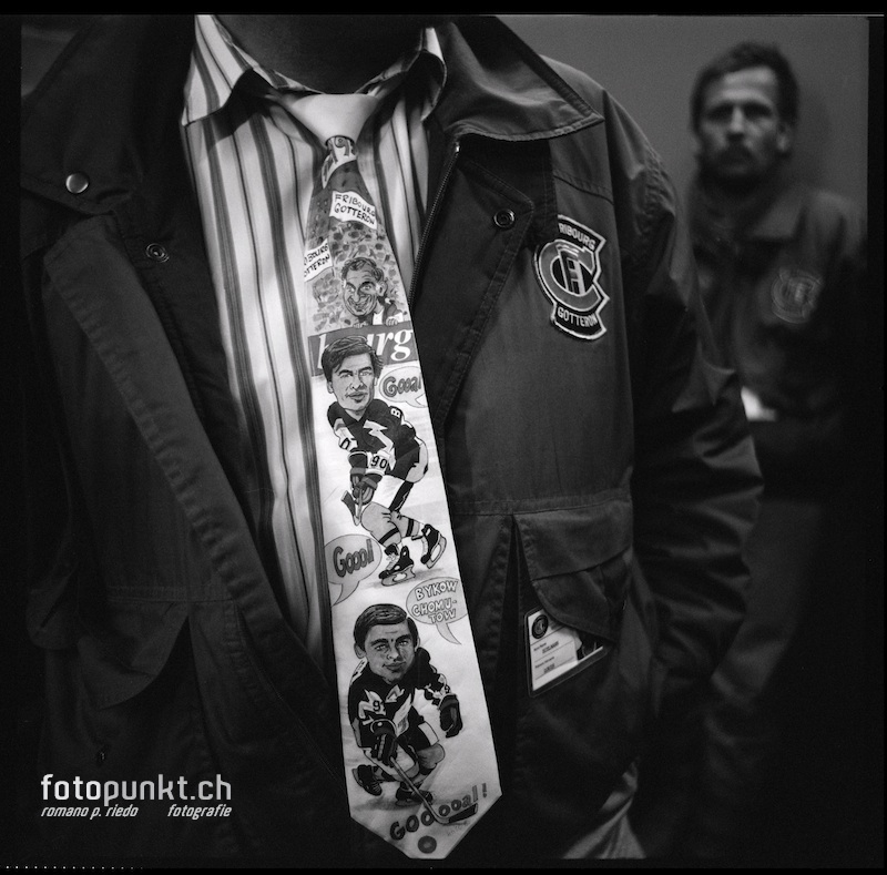 http://www.romanoriedo.ch/files/gimgs/20_bykov-khomutov-cravatte-s-l.jpg