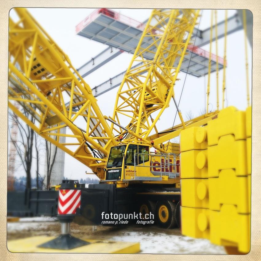 http://www.romanoriedo.ch/files/gimgs/22_camion-jaune-pont-poya1339-s-l.jpg