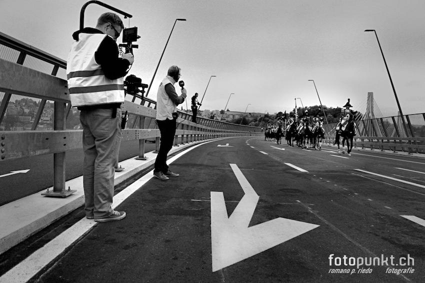 http://www.romanoriedo.ch/files/gimgs/22_pont-poya-medias-horses0470-sw-s-l.jpg