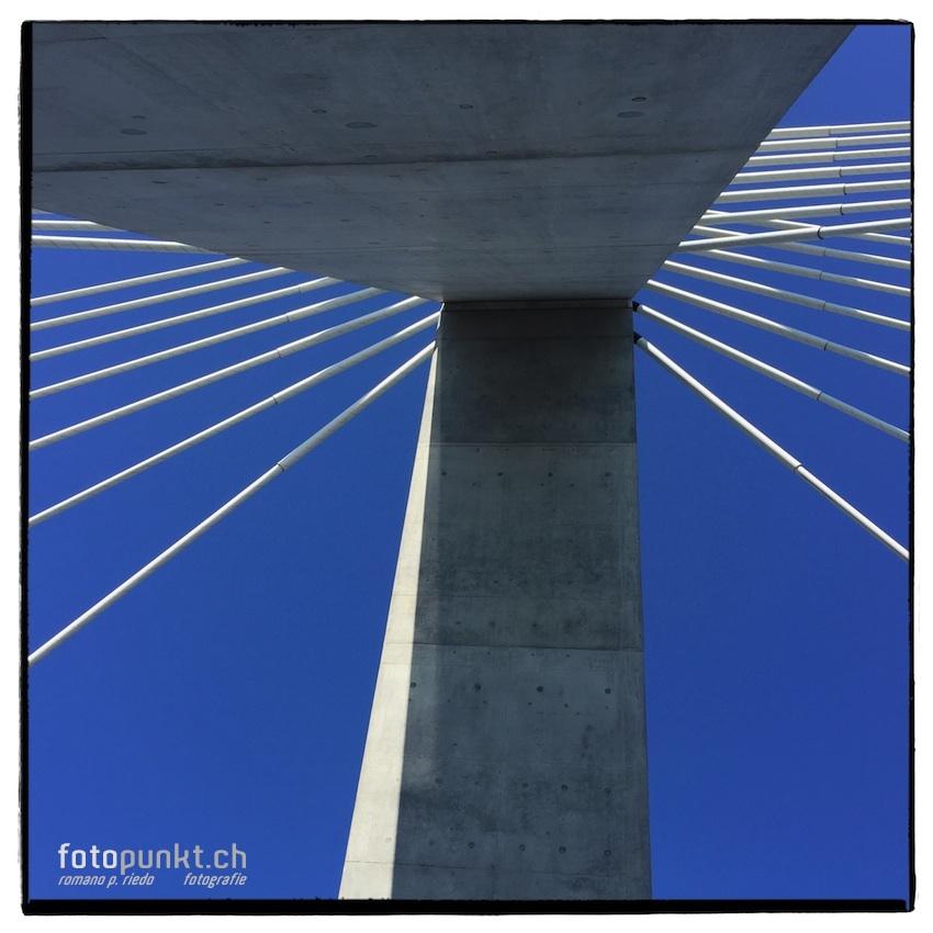 http://www.romanoriedo.ch/files/gimgs/22_pont-poya-pylone-img1624-s-l.jpg