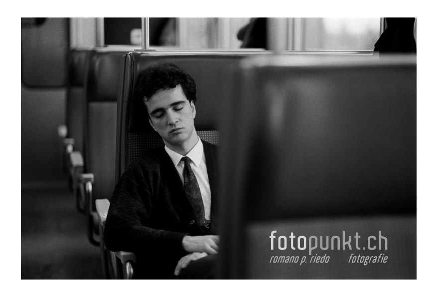 http://www.romanoriedo.ch/files/gimgs/6_dormeur-train-s.jpg